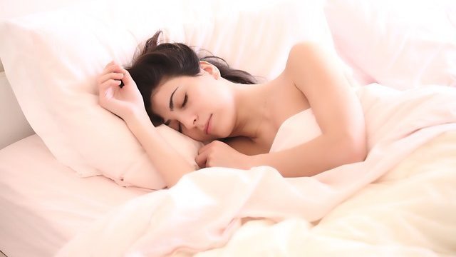 Infographic: How to get a good night's sleep